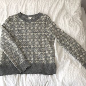 Grey and white gap sweater